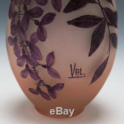An Enamelled Cameo Vase Val Et Compagnie c1920