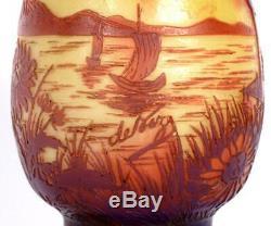 Antique DeVez Cameo French Glass Boudoir Lamp
