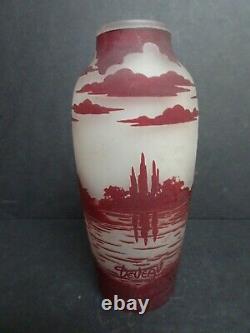Art Deco cameo Glass vase. Deveau. Circa 1920. Signed. French