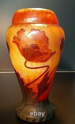 Art Nouveau Daum Cameo Vase Poppies Original (1910-1920)