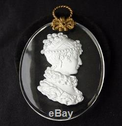 DUCHCESS D'ANGOULEME Cameo Sulphide Oval Glass Medallion