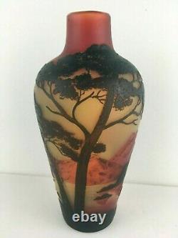 Devez Scenic Cameo Glass Vase 6 Tree