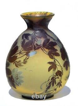 ÉMILE GALLÉ An impressive Gallé cameo glass vase circa 1900