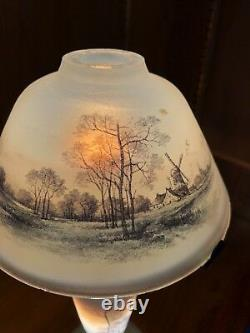 Early 20th Century Daum Nancy Enamled Cameo Glass Lamp