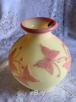 Fenton Art Glass Sand Carved Cameo Burmese Butterflies Rare LE Vase