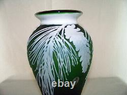 Fenton Cameo Sandcarved Emerald Green Pinecone Vase By Kelsey Murphy #2955cx