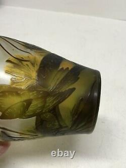 Galle Style Vase Art Nouveau Glass Cut Cameo of Birds Marked with Z On Bottom 8