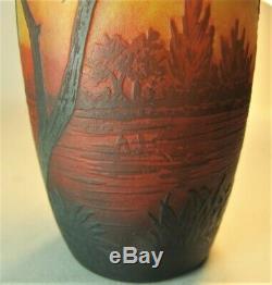 Gorgeous Signed DAUM NANCY Scenic Cameo Art Nouveau Glass Vase c. 1900 antique