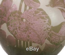 LARGE ANTIQUE or VINTAGE MACHIN ART NOUVEAU CAMEO ART GLASS VASE FLOWERS LEAVES