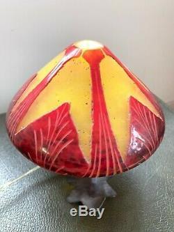 Le Verre Francais Art Glass Cameo Boudoir Table Lamp / Light Charder Art Deco