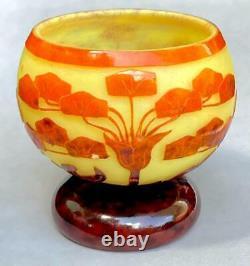 Le Verre Francais Schneider Art Deco Cameo Vase