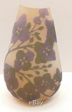 Lovely EMILE GALLE FLORAL CAMEO ART GLASS VASE 4.5