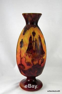 Schneider Le Verre Francais Art Nouveau Cameo Vase Bluebells ca. 1920