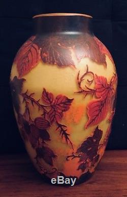 Vase Cameo Decorative Glass signed Daum Nancy