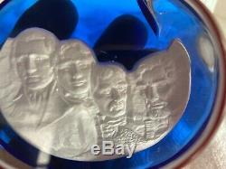 Vintage 1976 221/1000 Mount Rushmore Cameo Glass Crystal Baccarat Paperweight